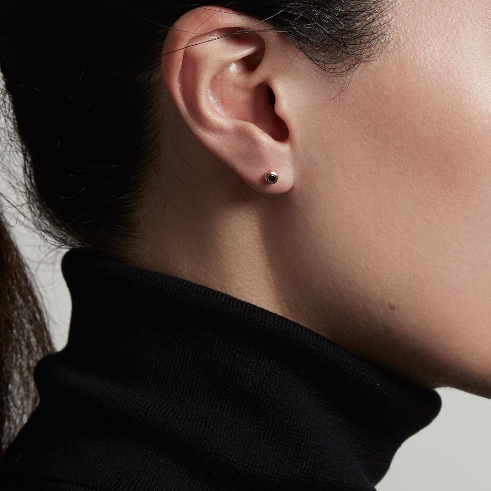 Mini Single Black Spinel Stilla Stud Earring