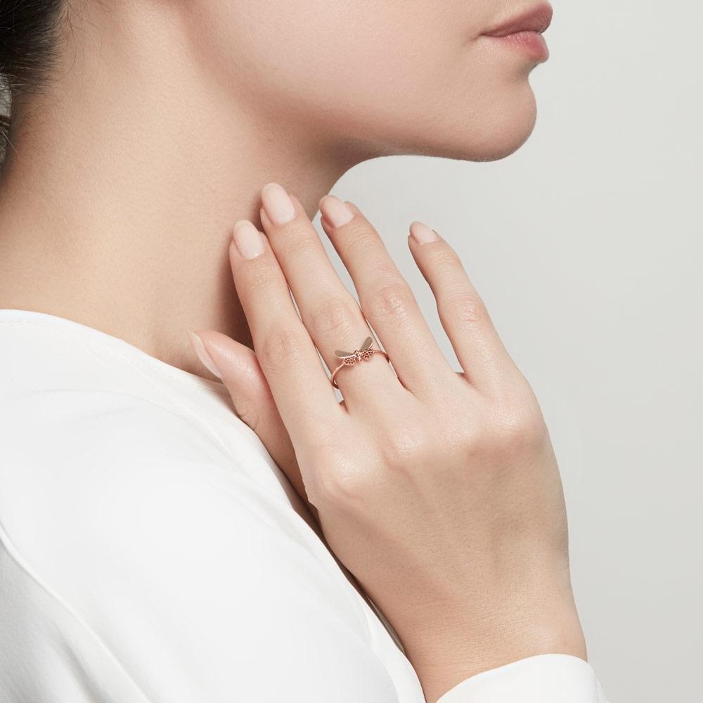 Medie Cinnabar Papillon Red Diamond Ring